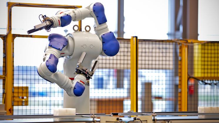 Dans une de ses usines chinoises, à Kunshan, Foxconn dirige 60 000 robots.